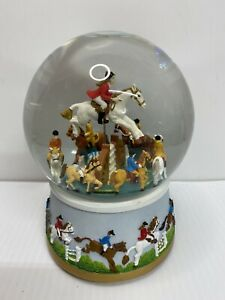 Kings Musical Snow Globe Jumper (Plays Radetzky March)