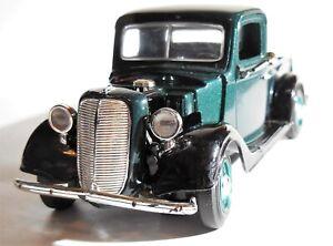 Vintage American Classic 1937 Ford Pickup Truck Die-Cast Metal 1:24