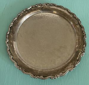 """VINTAGE O L ONEIDA USA Georgian Scroll Silver Plated Etched Round 12"""" Tray"""