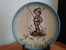 Schmid 1973 Mother's Day Plate by Sister Berta Hummel