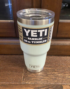 YETI Rambler 30 oz Tumbler with MagSlider Lid Sagebrush green NO RESERVE