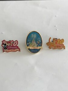 Disney Pins DLRP 10th Anniversary Minnie & Pluto 3 Pin Set