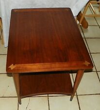 Walnut End Table / Side Table by Virginia Maid  (RP)  (T450)