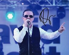 RICKY GERVAIS - Signed 10x8 Photograph - TV - DAVID BRENT ON TOUR