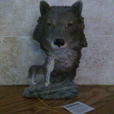 #43 - Classic Wildlife Collections Wolf Head with standing wolf figurine