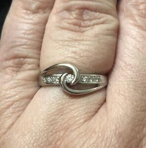 Beautiful Diamond Bypass Swirl Ring 14K White Gold Size 7.5