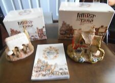 Lilliput Lane Cottages Set Of Two W/1989 Collectors Book