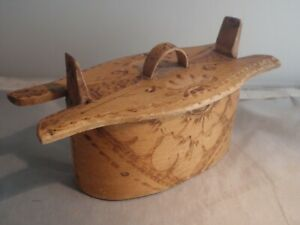 Antique Swedish handmade traditional wooden snap box  Sweden 4.3""