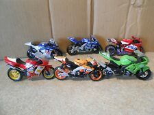 6 X  1-18  SCALE DIECAST METAL & PLASTIC  MAISTO RACE  MOTORCYCLE MODELS