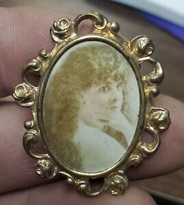 Old KATE CLAXTON Actress Fancy Frame Movie Star Vaudville PHOTOGRAPH Brooch PIN