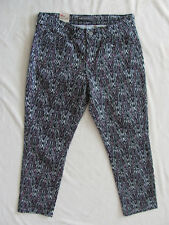 Levi's Skinny Ankle Pants- Mid Rise - Black Pink White Design -Size 10P -NWT $54
