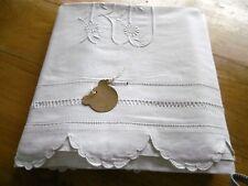 Drap en lin et coton avec retour et  monogramme RD  288 x 204 cms