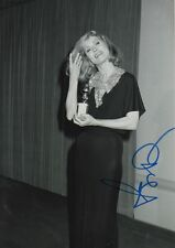 Faye Dunaway Autogramm signed 20x30 cm Bild s/w