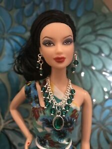 Handmade Jewelry for Barbie - Emerald Green Necklace and Earrings