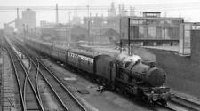 PHOTO  GWR NO. 5013 ABERGAVENNY CASTLE AT PORT TALBOT RAILWAY STATION 1962