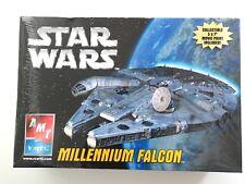 AMT/ERTL Millennium Falcon Deluxe Model 2005 - NIB - Near Mint
