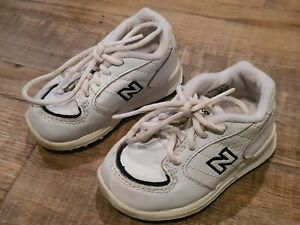 New Balance  Runners  / Sneakers 500  White / Black kids Size US 4  🔥🔥🔥🔥