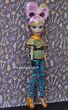 Monster High Nefera de Nile's SCREAM AND SUGAR Outfit and Accessories