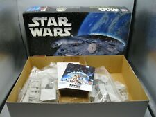 2005 Star Wars Millennium Falcon Skill 2 Model Kit / Ertl AMT w 5x7 Movie Print