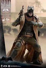 1/6 Hot Toys B V S Dawn of Justice Knightmare Batman MMS372