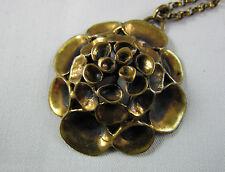 Herrlicher Anhänger mit Kette aus Bronze Finnland Renmoosblüte