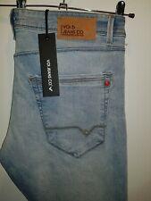 Stylish BNWT faded denim jeans by VOI - LEX manufactured rips & frays W36 L32