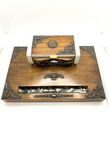 Well done Vintage Inkwell with Ornate Floral Flowery Accents Beautiful !