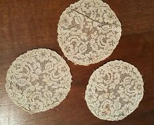 Dentelle broderie Ancienne -  3 Napperons