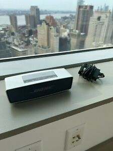 Bose Soundlink Mini; powerful sound; fully functioning; charger included