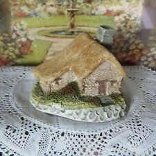 Miniature THATCHED COTTAGE Resin Figurine Vtg Dollhouse Doll House Statue 1:144