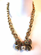 CHUNKY GOLD CURBED CHAIN NECKLACE & BEAUTIFUL FLOWER STONE PENDANT PIECE (ST26)