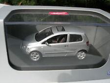 SCHUCO 1/43 VW VOLKSWAGEN FOX 1.4 2005 gris metalisé 3 portes