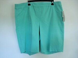 Ladies Bermuda Shorts Mint Size 22W Slimming