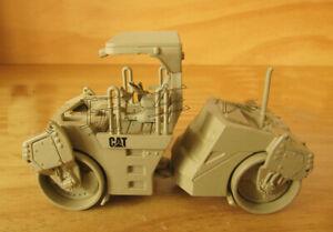 1/50 Engineering Car 55255 CB-534D Vibratory Asphalt Compactor Truck Gift Toy