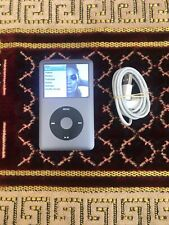 Apple ipod Classic 7th Generation 160gb + Apple USB Cable Bundle