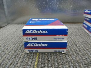 New Genuine GM ACDelco Spark Plugs R45 Set Of 8