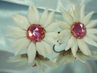XX Pretty White Plastic Pink Rhinestone Vintage 60's Flower Clip Earrings 549ag0