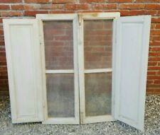 Vecchia finestra in legno Con Scuri