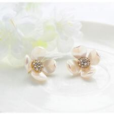 Women's Fashion Elegant Imitation Mother Shell Pearl Flower Diamond Earrings
