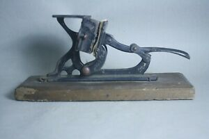 Vintage Cast Iron Painted Decoration Card Printing Press
