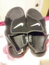 boys size 3Y Nike sandals good used condition