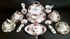 22 Piece Royal Albert Old Country Roses Bone China Tea/Cake Service & Ornaments
