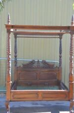 Antique Style Mahogany Wood Chesterfield queen size Bed