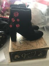 Boots (rose)