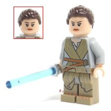 LEGO Star Wars - Rey with lightsaber *NEW* from set 75105