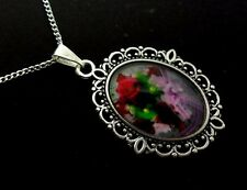 "A PRETTY GLASS FLOWER CAMEO OVAL  PENDANT NECKLACE. 18"" LONG. NEW."
