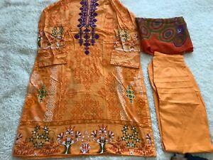 Ladies Shalwar kameez 3 piece lawn Medium