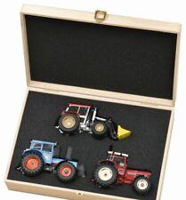 SCHUCO 450765900 3er-Set Traktorlegenden IHC Eicher Schlüter Holzkiste 1:32 NEU