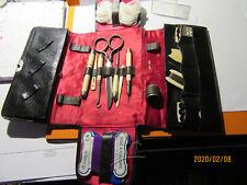 ancien nécessaire de couture en os et pochette en cuir