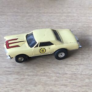 HO Aurora T-Jet 1960s Buick Riviera Light Yellow With Chassis No Case